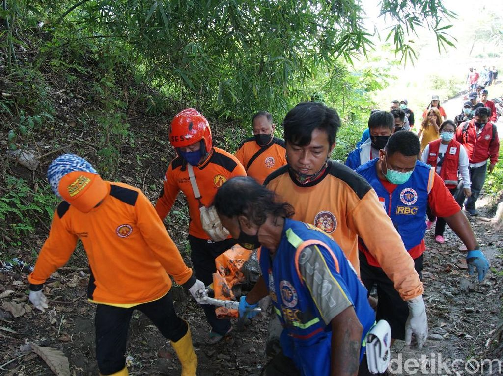 Identitas Mayat Pria Setengah Bugil di Kebun Singkong Mojokerto Terungkap