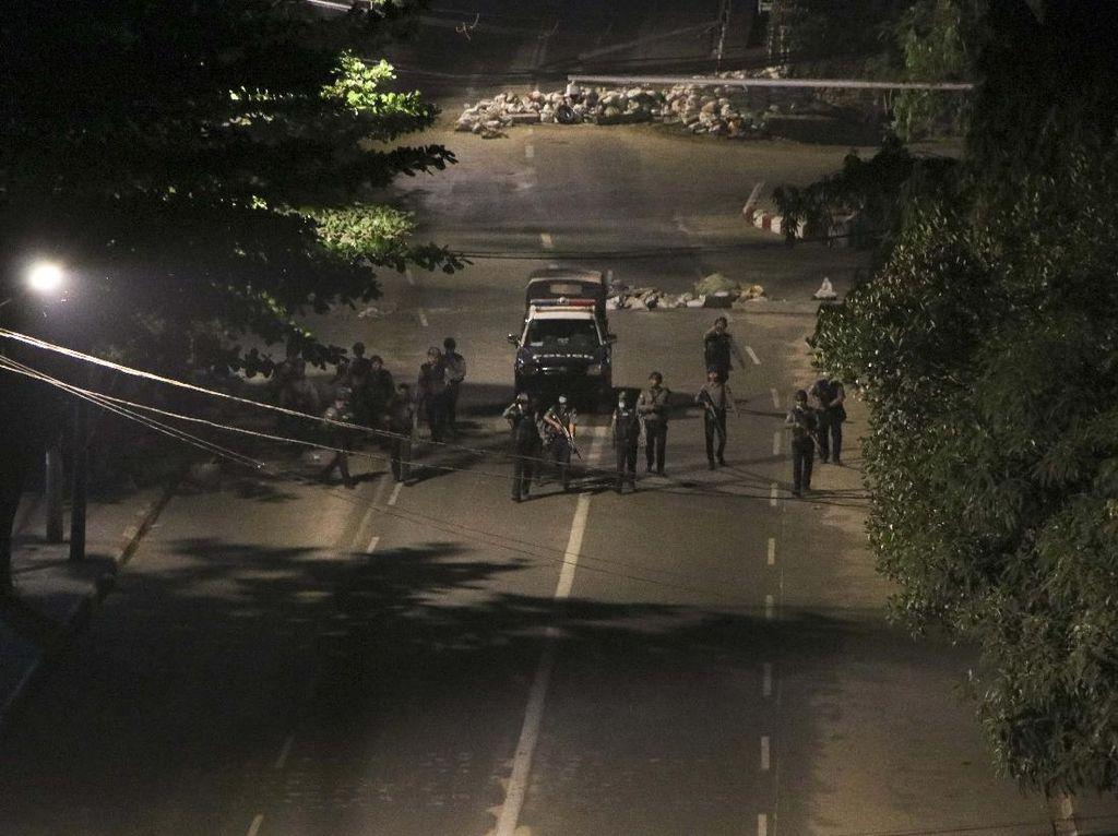 Myanmar Kian Berdarah, Junta Militer Bandingkan dengan Polisi AS