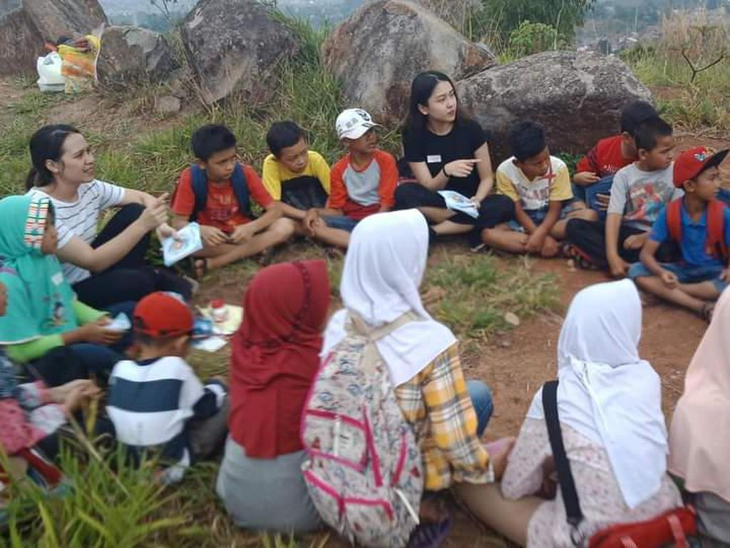 Dicari! Relawan Pengajar Anak Petani di Desa Bandung