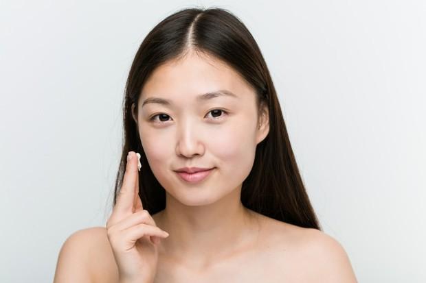 Warna kulit menjadi putih pucat akibat krim berbahaya/freepik.com