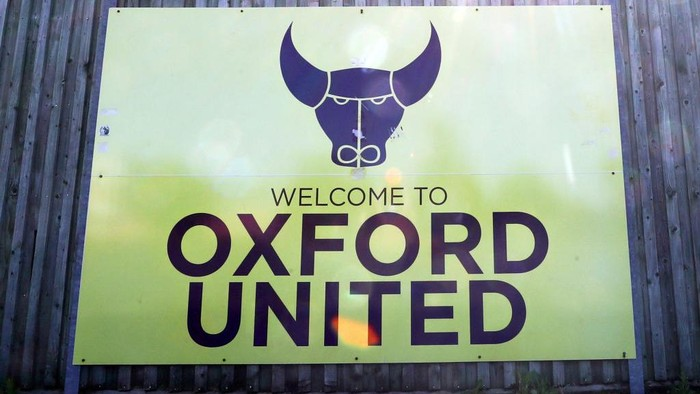 OXFORD, ENGLAND - MAY 02: A General view outside the Kassam Stadium, home of Oxford United on what would have been the final weekend of the 2019/2020 season for EFL Clubs in The Championship, League one and League Two May 02, 2020 in Oxford, England. Sport is on hold while the world deals with the Coronavirus Covid-19 pandemic. British Prime Minister Boris Johnson, who returned to Downing Street this week after recovering from Covid-19, said the country needed to continue its lockdown measures to avoid a second spike in infections  (Photo by Catherine Ivill/Getty Images)