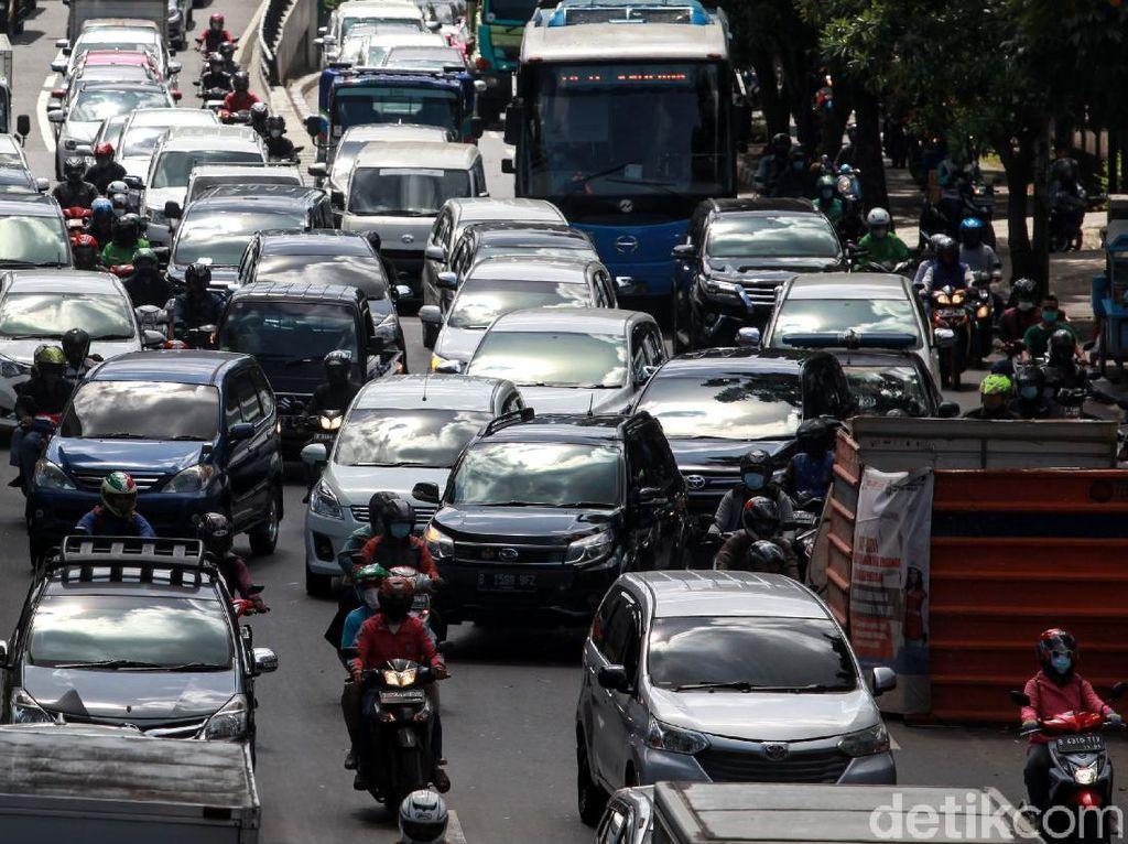 Galian di Selatan Jakarta Bikin Macet Mengular ke Mana-mana