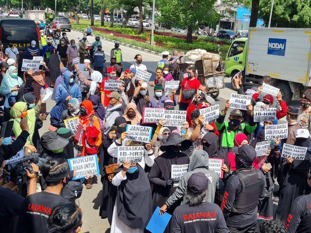 Kata PN Jaktim soal Pengacara HRS Tak Jamin soal Kerumunan di Luar Sidang