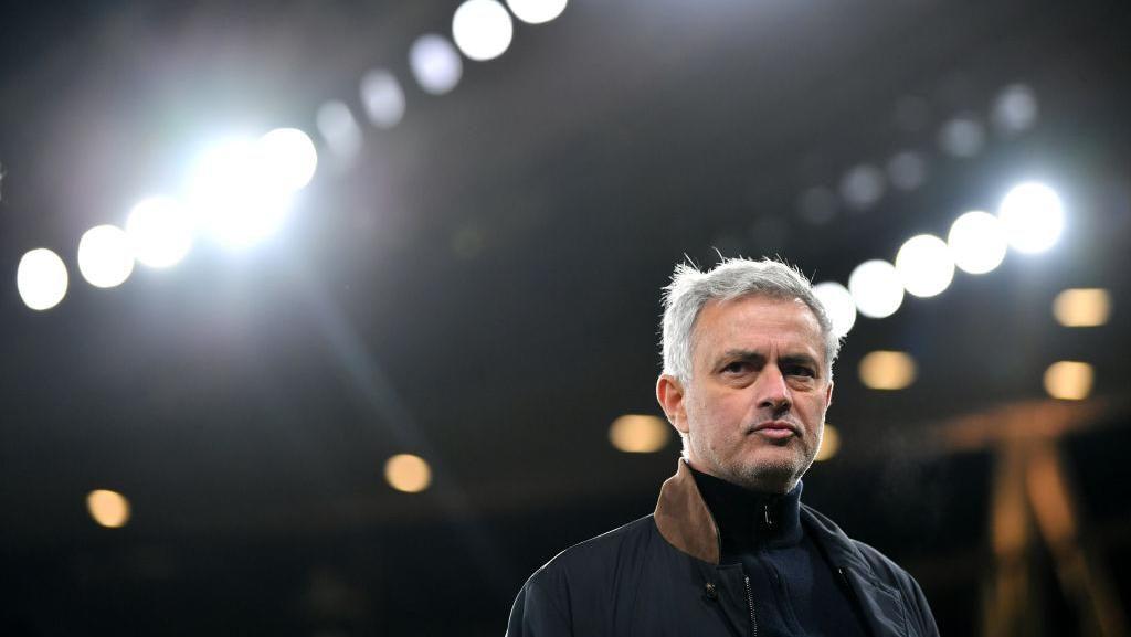 Jose Mourinho dan Deretan Pesangonnya yang Wow