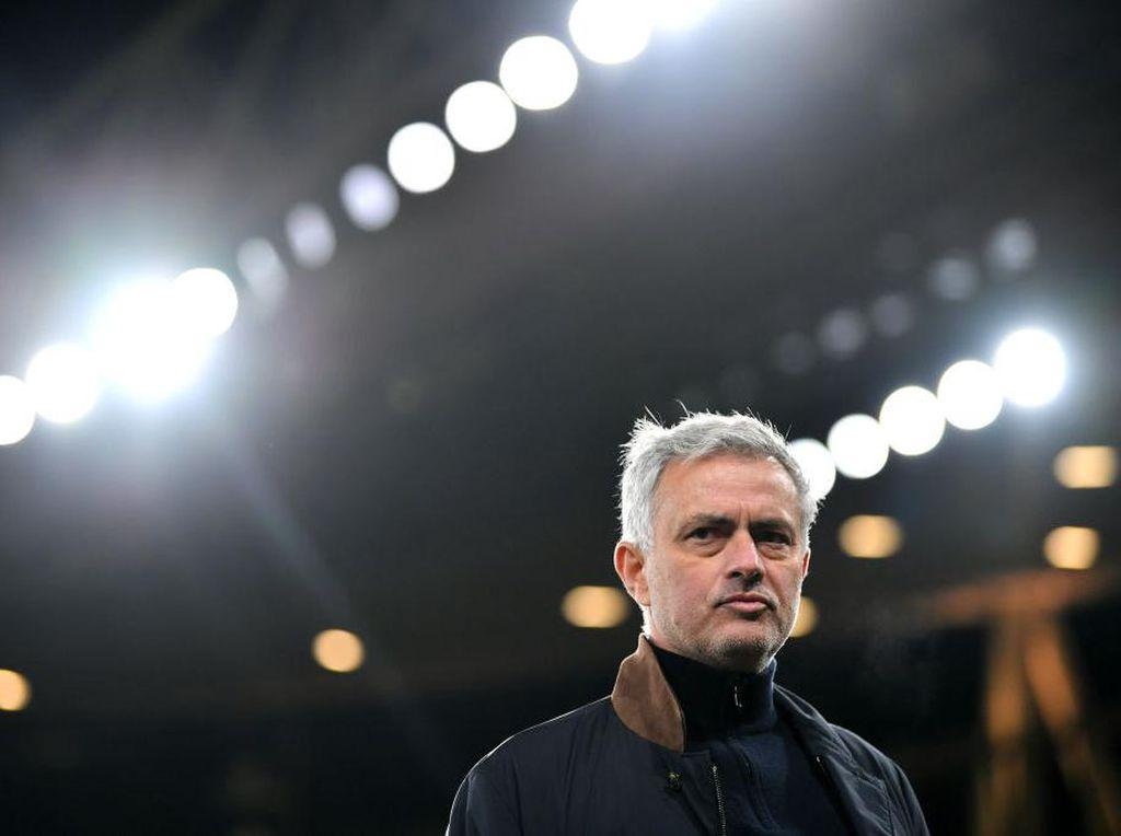 Mourinho Saja Tak Cukup, Roma Juga Butuh Skuad Mumpuni untuk Juara
