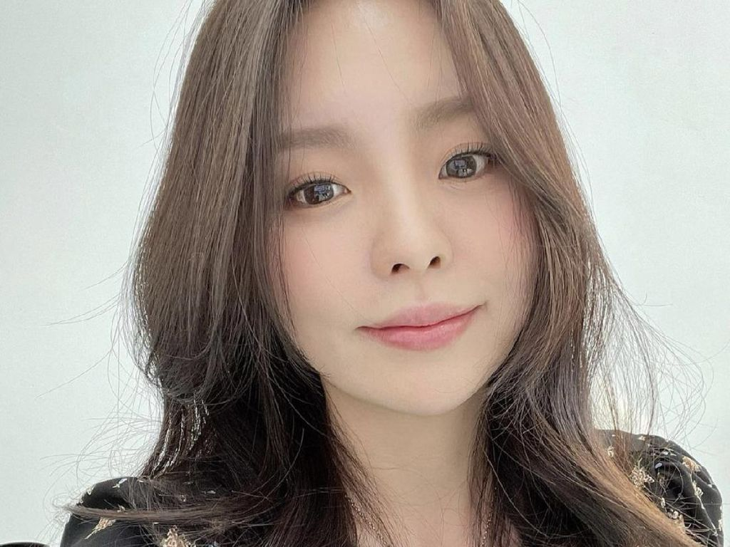 8 Fakta Jung Ji Woo, Kakak J-Hope BTS yang Masuk Cube Entertainment