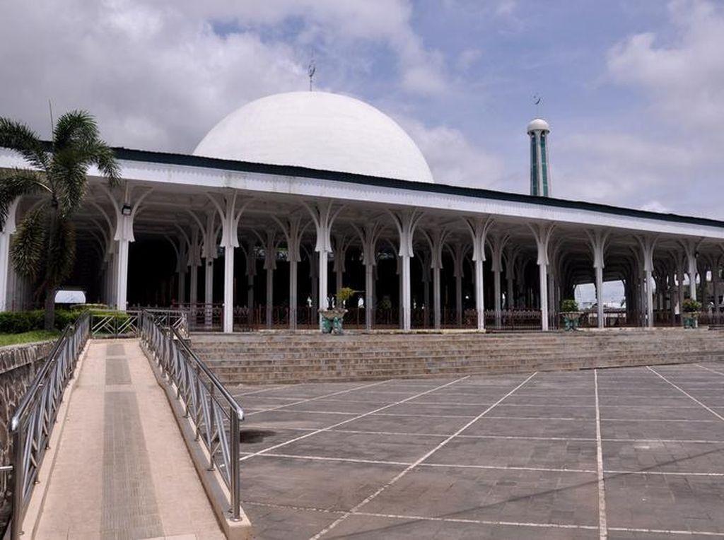Potret Masjid Seribu Tiang di Jambi