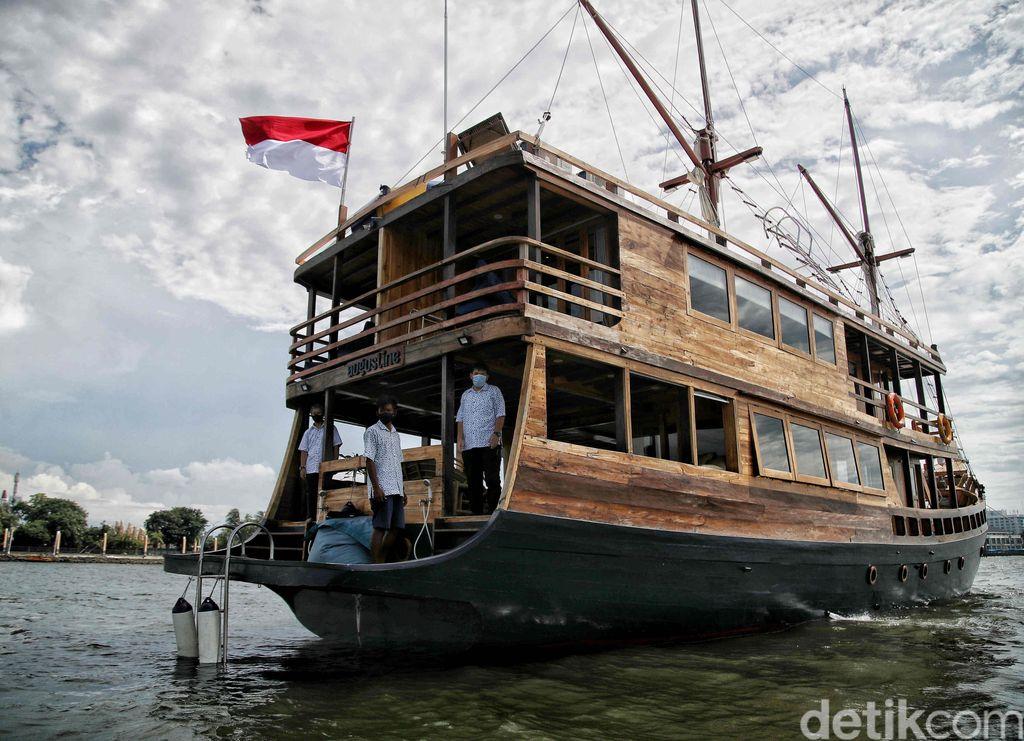 Manajemen PT Pembangunan Jaya Ancol Tbk berkolaborasi dengan Augustine Phinisi ingin kembali menghidupkan gairah pariwisata bahari di Teluk Jakarta.
