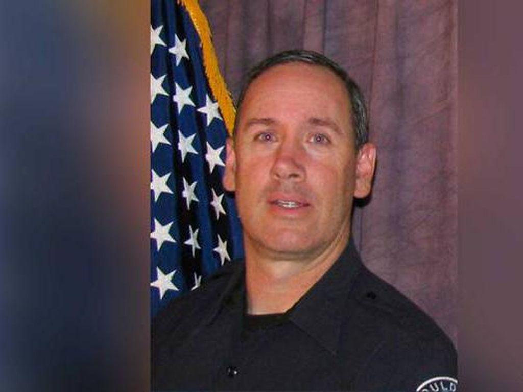 Tewas dalam Penembakan Massal, Polisi AS Berniat Ganti Pekerjaan