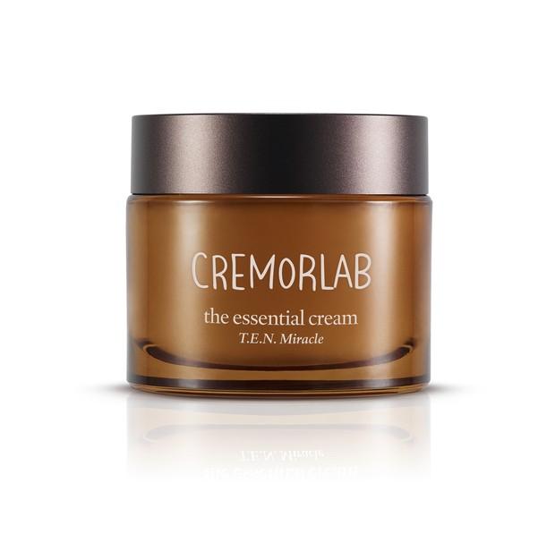 The esssential cream/Dok. Miracle