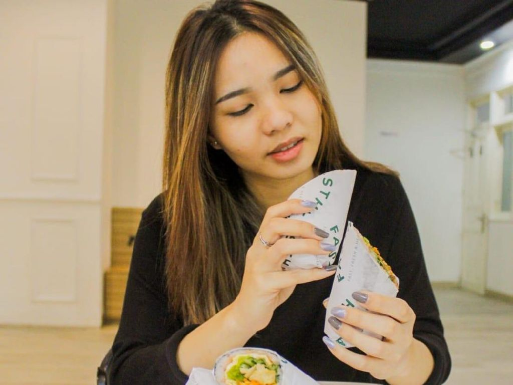 7 Makanan Sehat Pemacu Produktivitas Bekerja