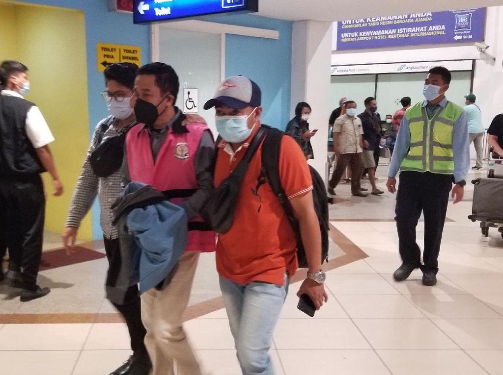 Ditangkap di Jakarta, Buron Korupsi Pasar Manggisan Dibawa ke Jember