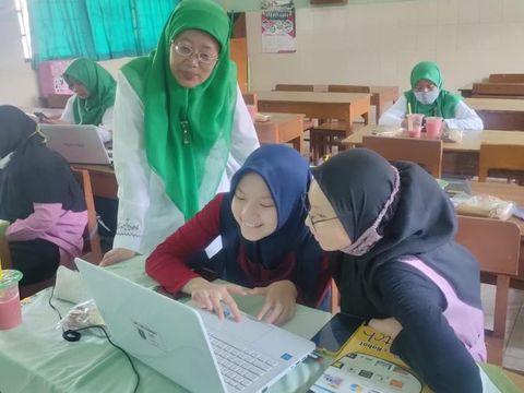 Game of Hajj, game bertema naik haji Buatan Siswa MTs NU Banat di Kudus menang medali emas ajang ASEAN Innovative science Environmental, Entrepreneur Fair (ASEEF) tahun 2021.