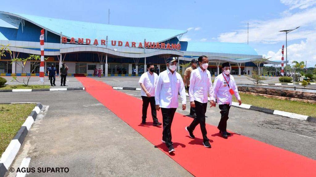 Jokowi Resmikan Terminal Bandara Kuabang Kao