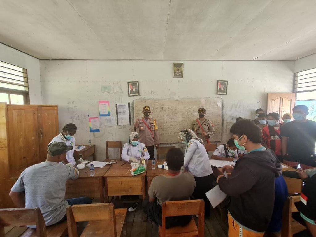 Warga Intan Jaya Papua Mulai Disuntik Vaksin COVID-19