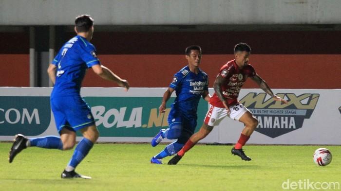 Laga pertandingan Persib Bandung vs Bali United dalam lanjutan Grup D Piala Menpora 2021 berakhir 1-1. Hasil ini membuat Bali United dan Persib meraih satu poin