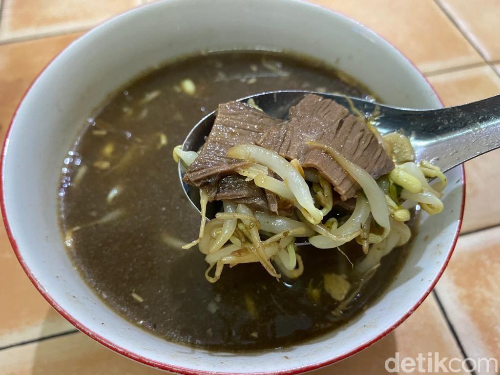 Slurpp! Nikmatnya Soto Daging Kerbau yang Gurih Segar