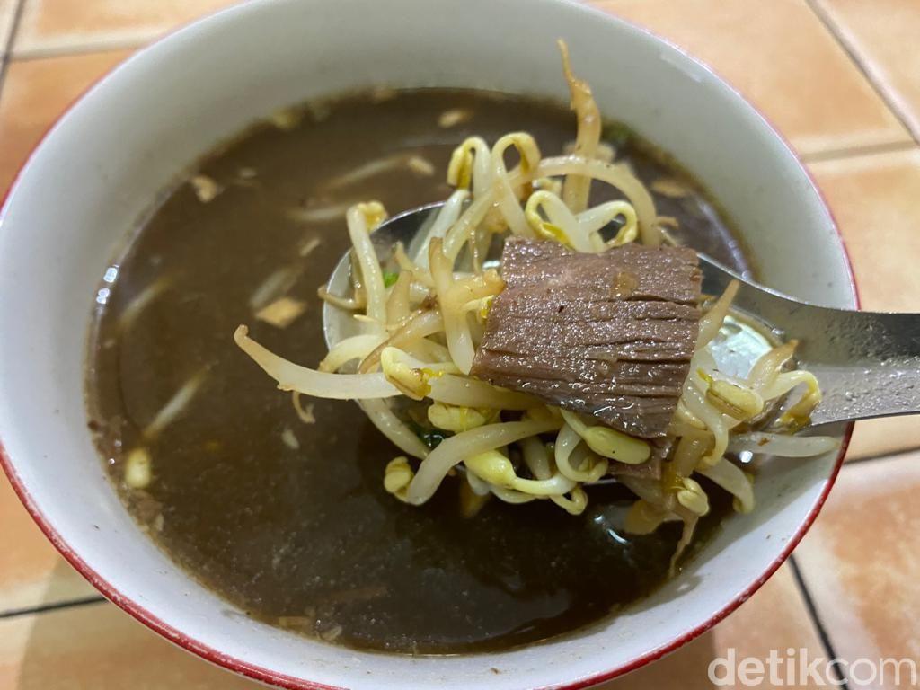 Soto Kebo WARSO: Uniknya Soto Daging Kerbau dan Mangut Manyung Super Pedas
