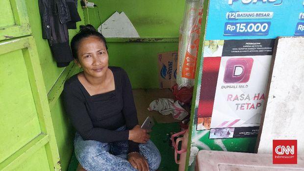 Rahmeida, pedagang kelontong di Radio Dalam, Jaksel (47)