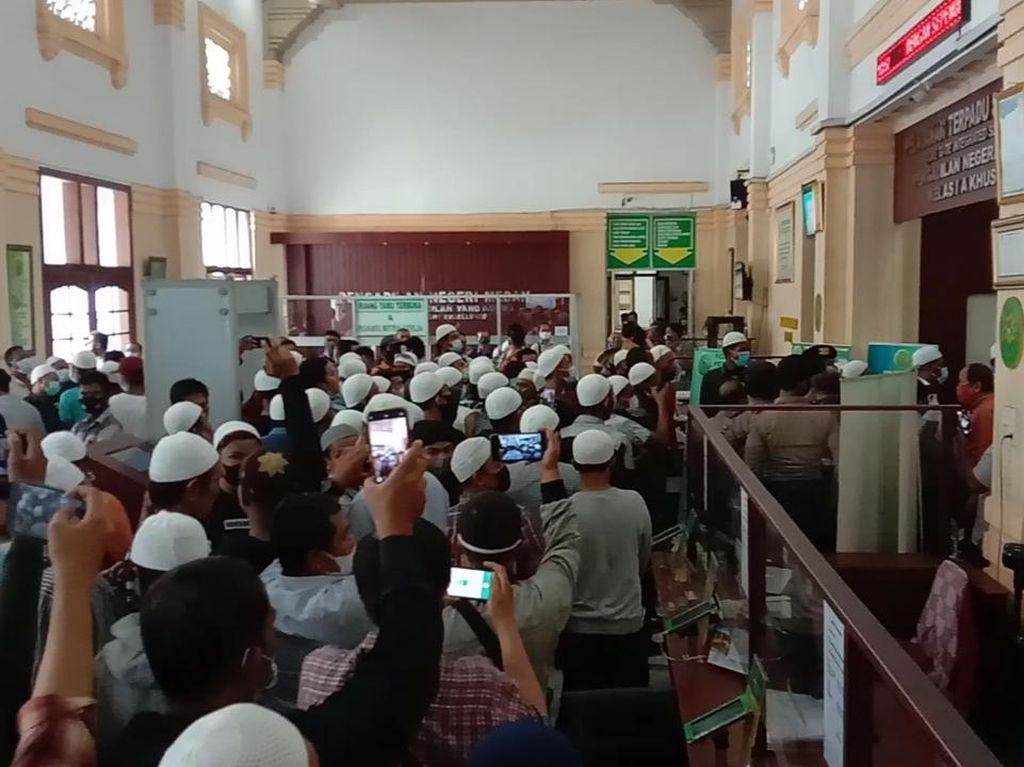 Duduk Perkara Terdakwa Pembunuhan Divonis Bebas Berujung Ricuh di PN Medan