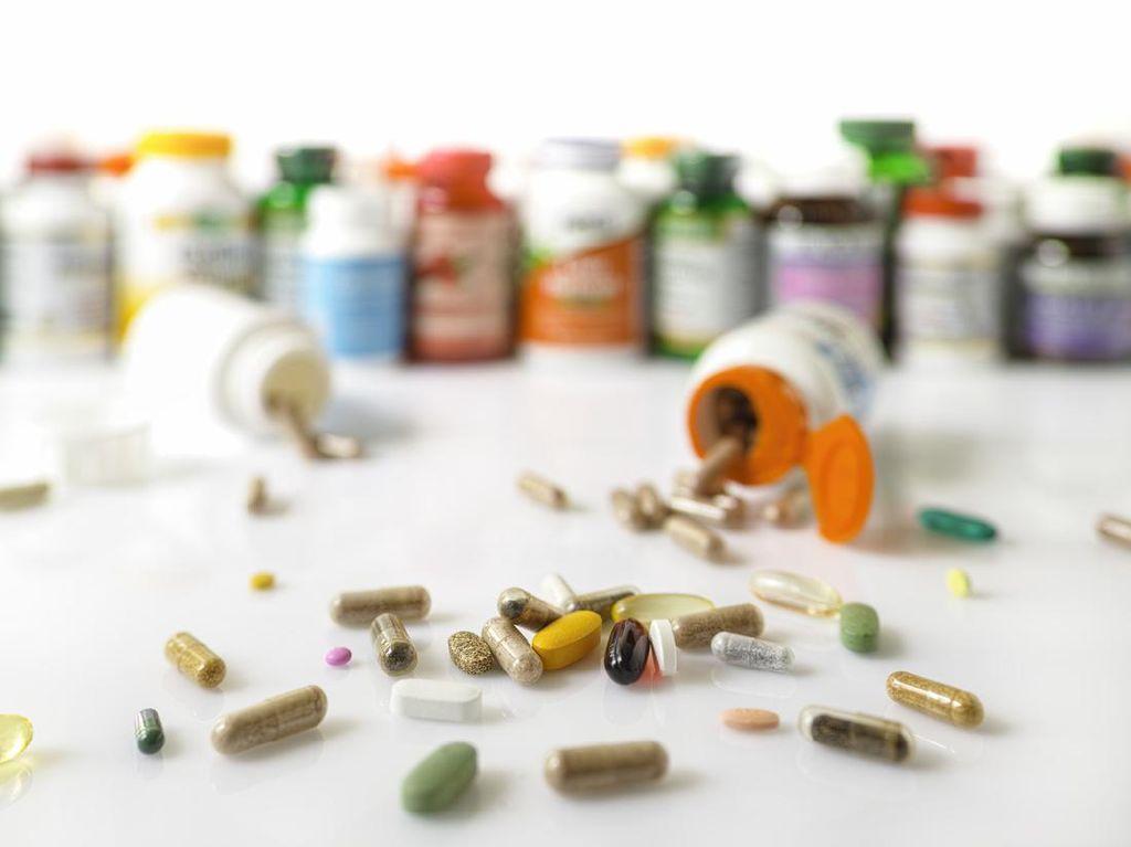 Berlebihan Minum Vitamin Saat Pandemi, Apakah Berbahaya?