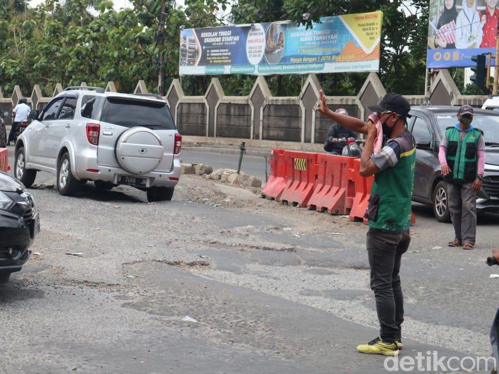 Ketua DPRD Kabupaten Tangerang Akan Tinjau Jl Raya Legok yang Rusak