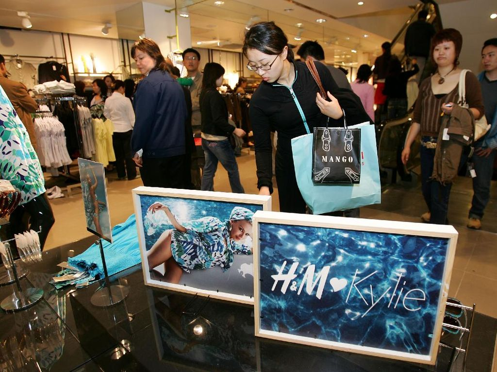 Nike dan H&M Diboikot Publik China karena Isu Kerja Paksa Uighur di Xinjiang
