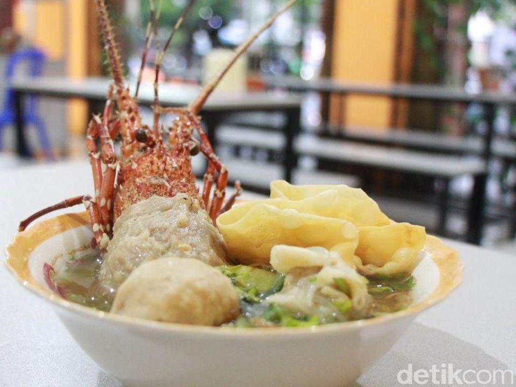 Sluurp! Gurih Kenyal Bakso Lobster Pertama di Kota Malang