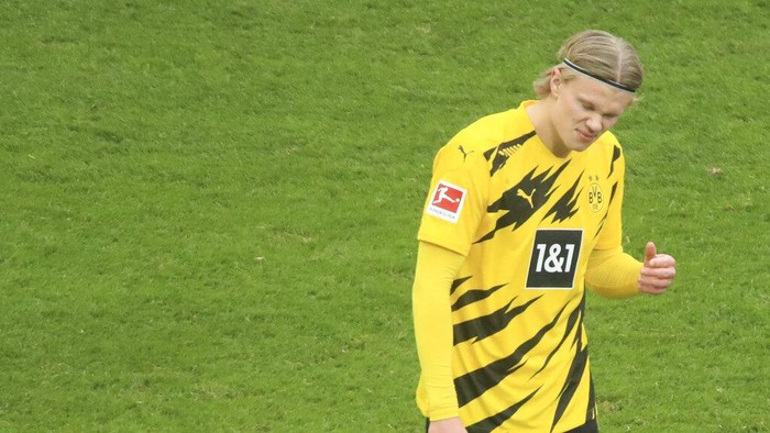 Dortmunds Erling Haaland reacts during the German Bundesliga soccer match between Cologne and Dortmund at the RheinEnergieStadion stadium in Cologne, Germany, Saturday, March 20, 2021. (Thilo Schmuelgen/Pool via AP)