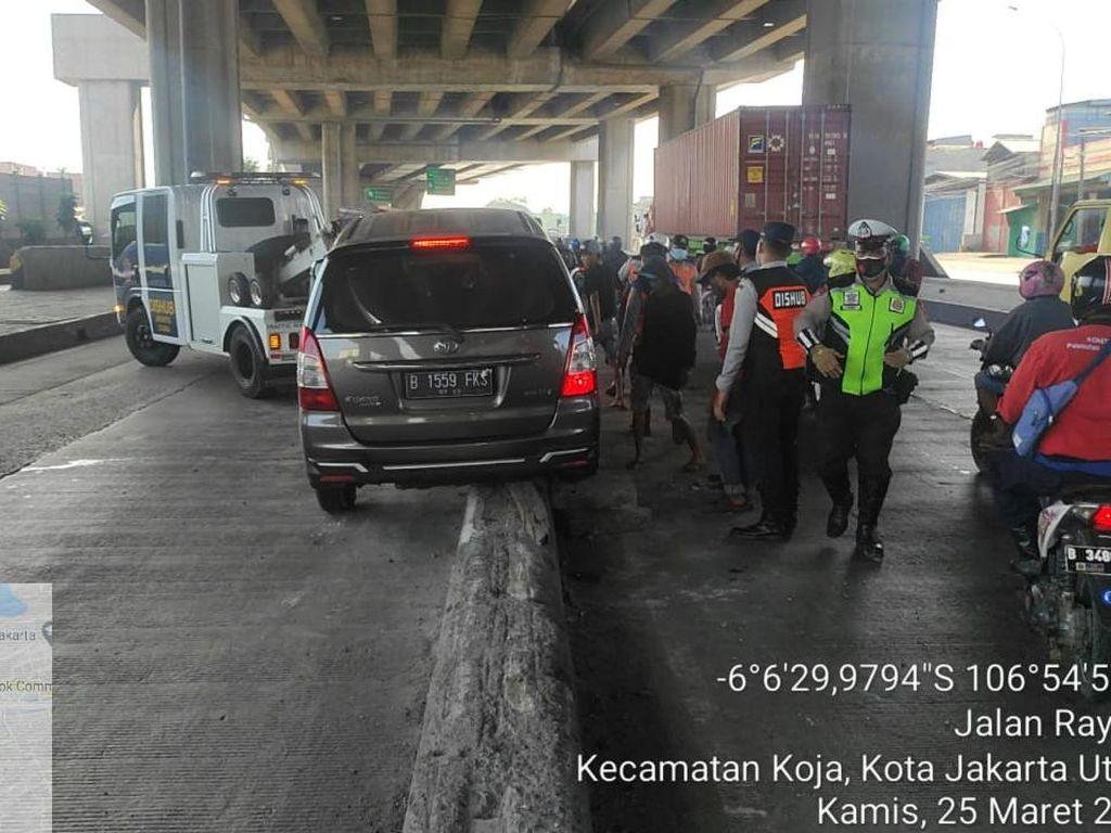 Peninggian Pembatas Jl Cilincing yang Rawan Masih Tunggu Pengadaan