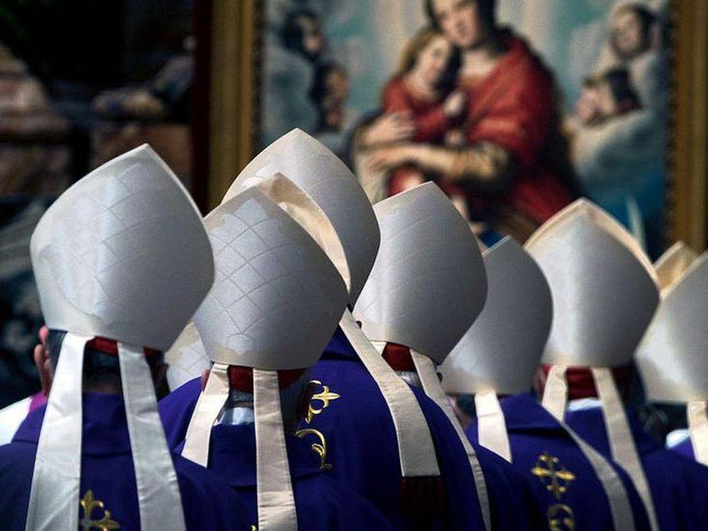 Corona Bikin Vatikan Defisit, Paus Fransiskus Potong Gaji Kardinal