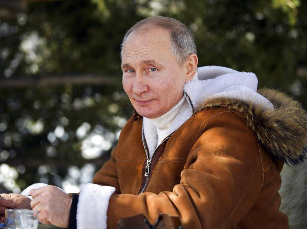 Putin Izinkan Turis Masuk, Asalkan Siap Ngekos di Hotel