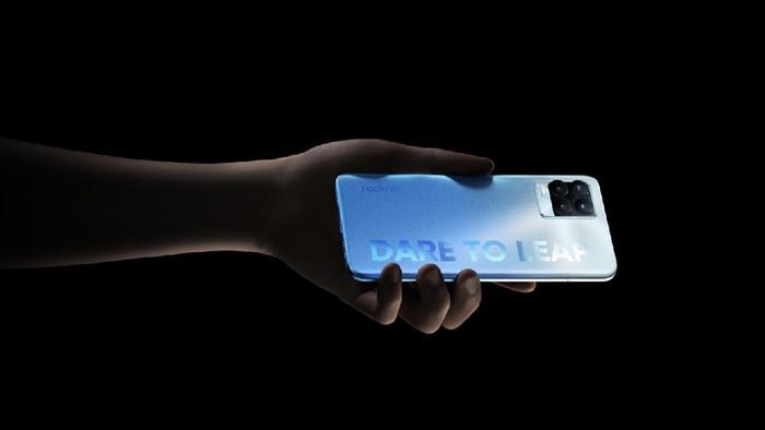 Realme 8 Pro  membawa kamera 108 MP harga terjangkau.
