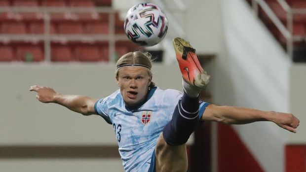 Soccer Football - World Cup Qualifiers Europe - Group G - Gibraltar v Norway - Victoria Stadium, Gibraltar - March 24, 2021 Norway's Erling Haaland in action REUTERS/Jon Nazca