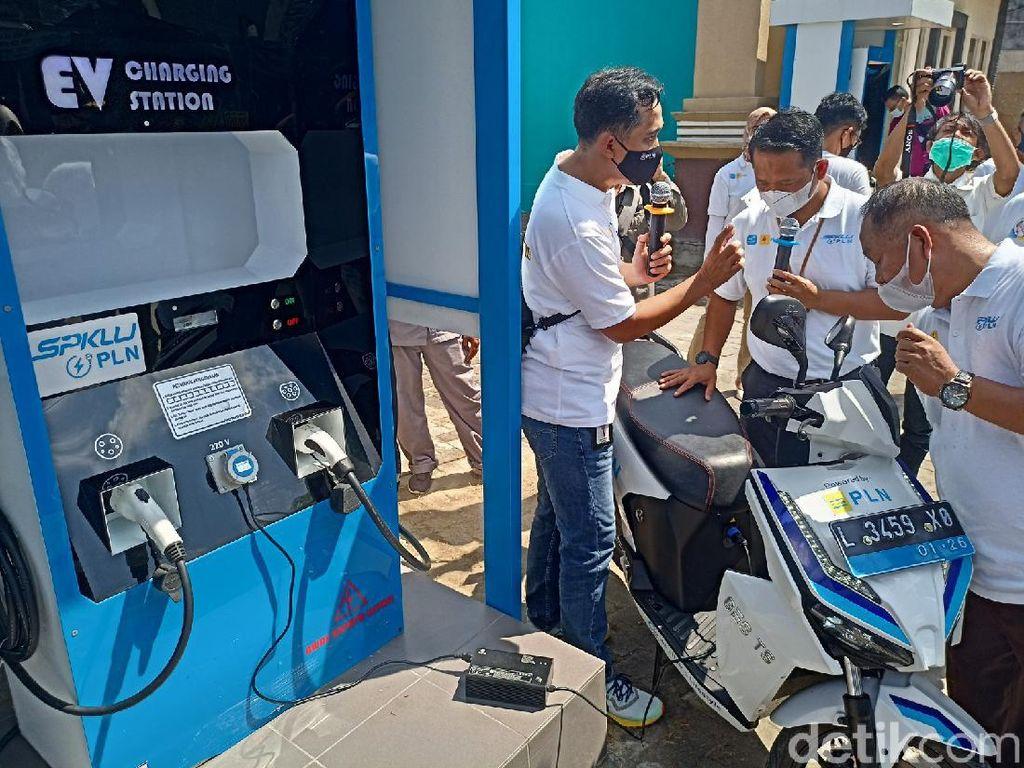 Pemilik Motor-Mobil Listrik di Ponorogo Kini Bisa Mengisi Daya di SPKLU