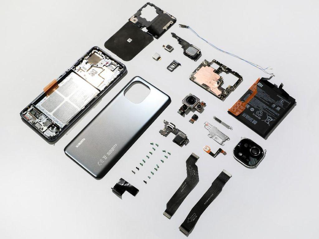 Xiaomi Bongkar Jeroan Mi 11, Seperti Apa Isinya?
