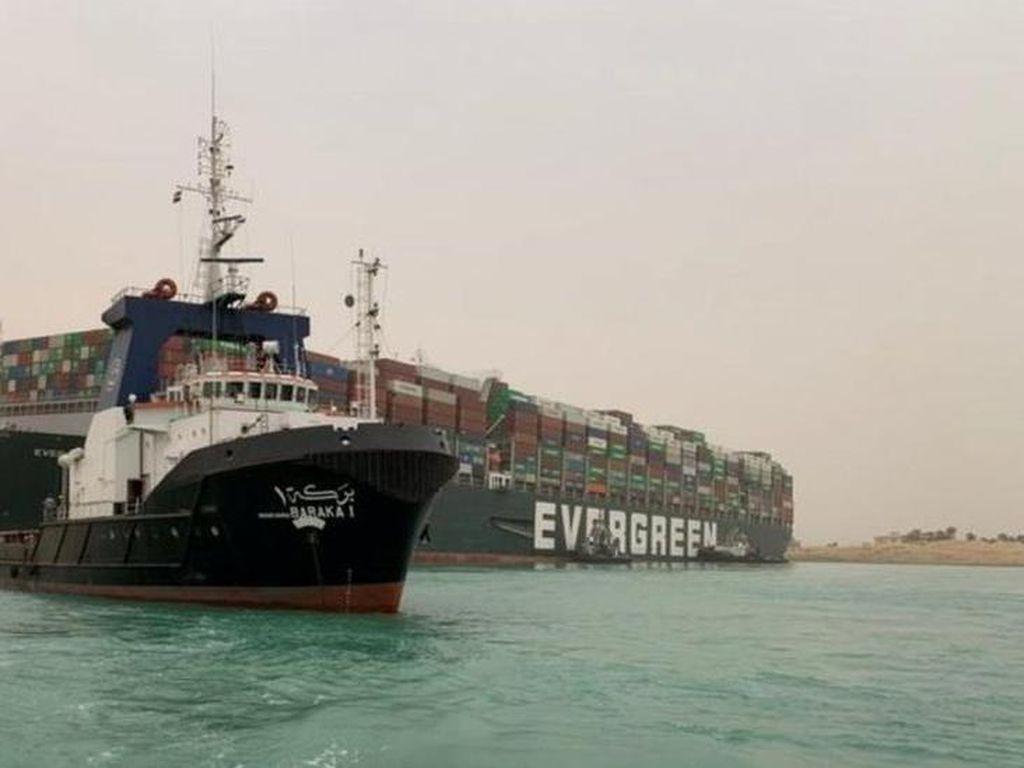 Mesin, Plastik, sampai Baja Bisa Telat Masuk RI Imbas Macet Terusan Suez