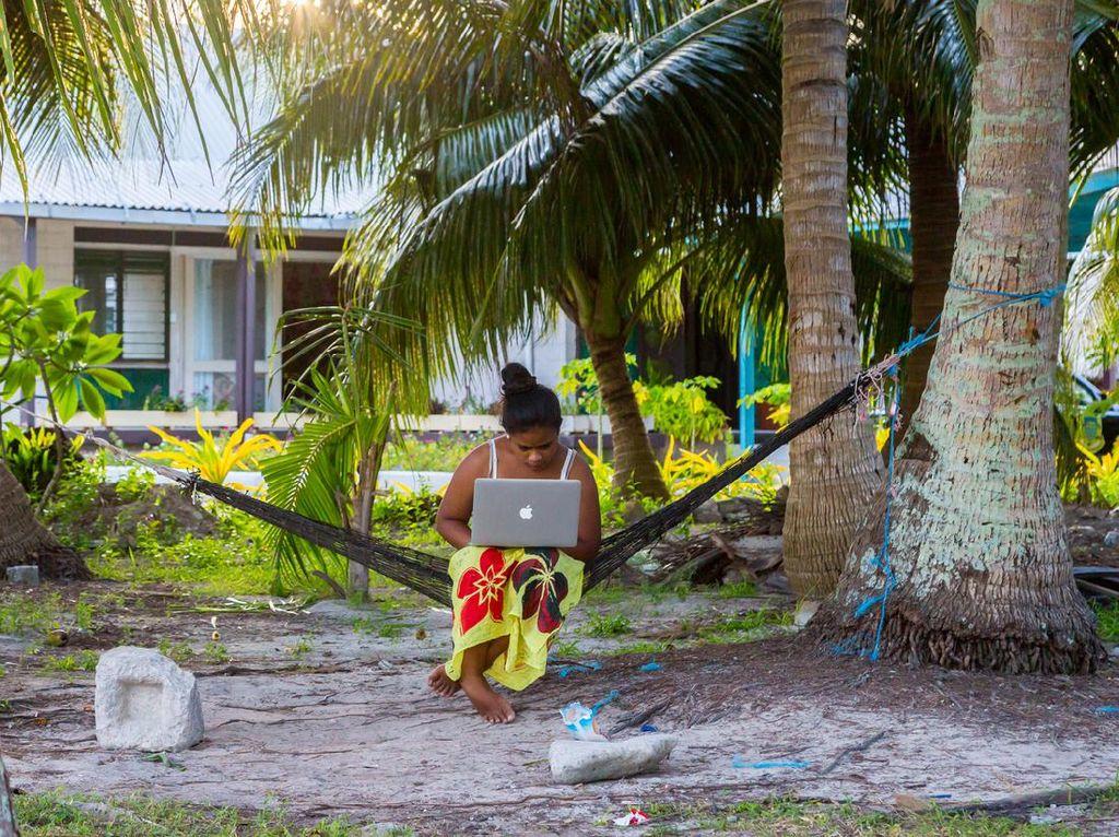 Cerdik Banget, Negara Ini Jadi Tajir dengan Modal Internet
