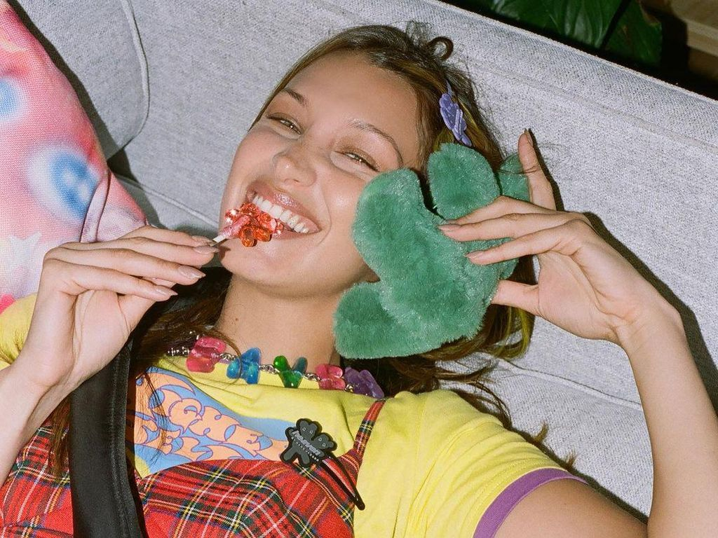 Tren Fashion 2000-an Balik Lagi, Intip 10 Gaya Seleb Ala Lizzie McGuire