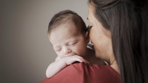 Kehamilan, persalinan, dan menyusui merupakan saat-saat luar biasa yang dijalani oleh seorang wanita. Ini mungkin memang anugerah yang tidak terhingga saat melihat bayi mungil lahir dari rahim sendiri.
