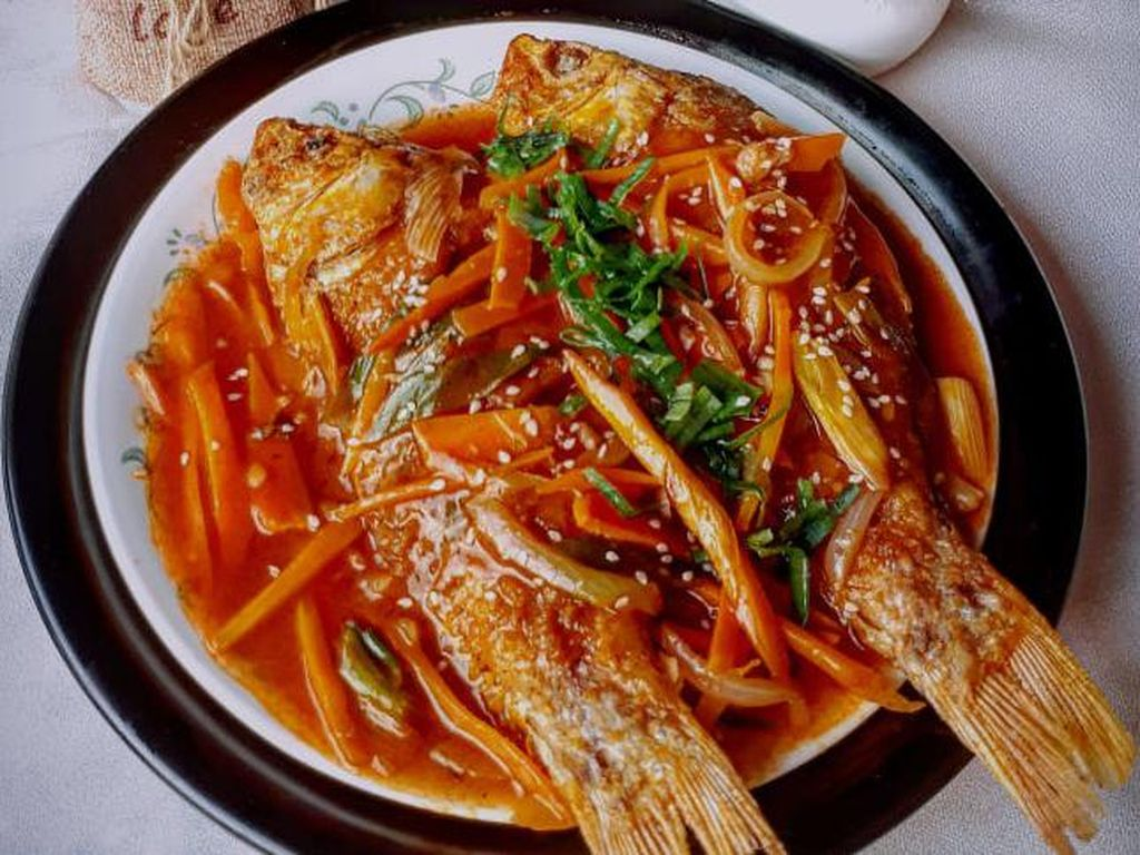 Menu Harian Ramadhan ke-4: Soto Ayam Bening dan Ikan Mas Asam Manis yang Mantul