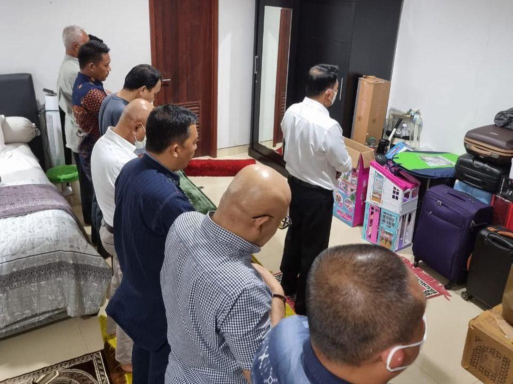 Kubu KLB PD Bagikan Foto Moeldoko Imam Salat, Labeli Jenderal Santri