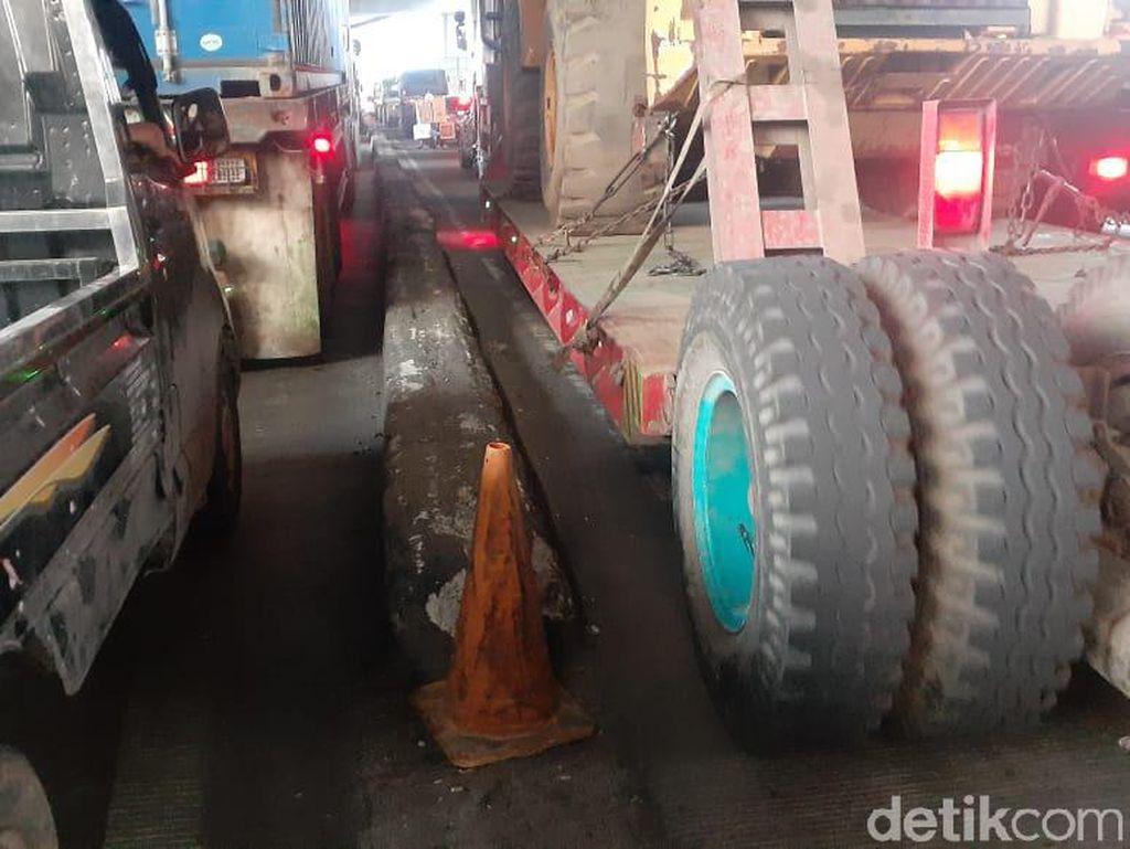 Hutama Karya Nyatakan Pembatas di Jl Raya Cilincing Bukan Miliknya