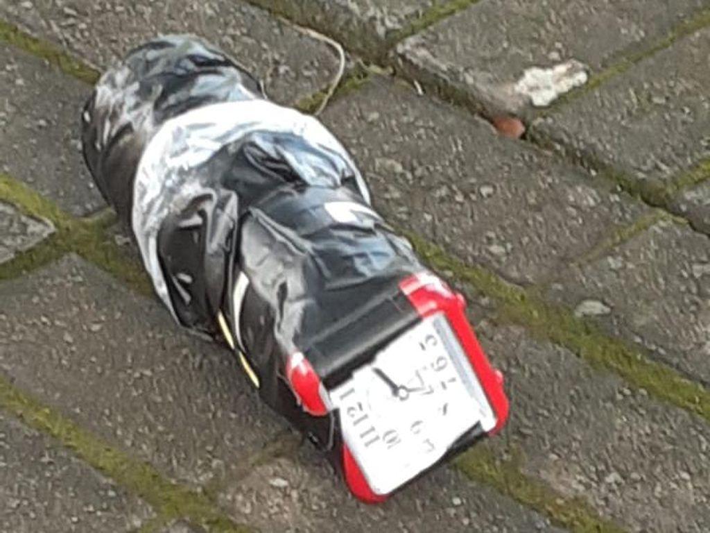 Detik-detik Penemuan Benda Menyerupai Bom di Cipinang Indah