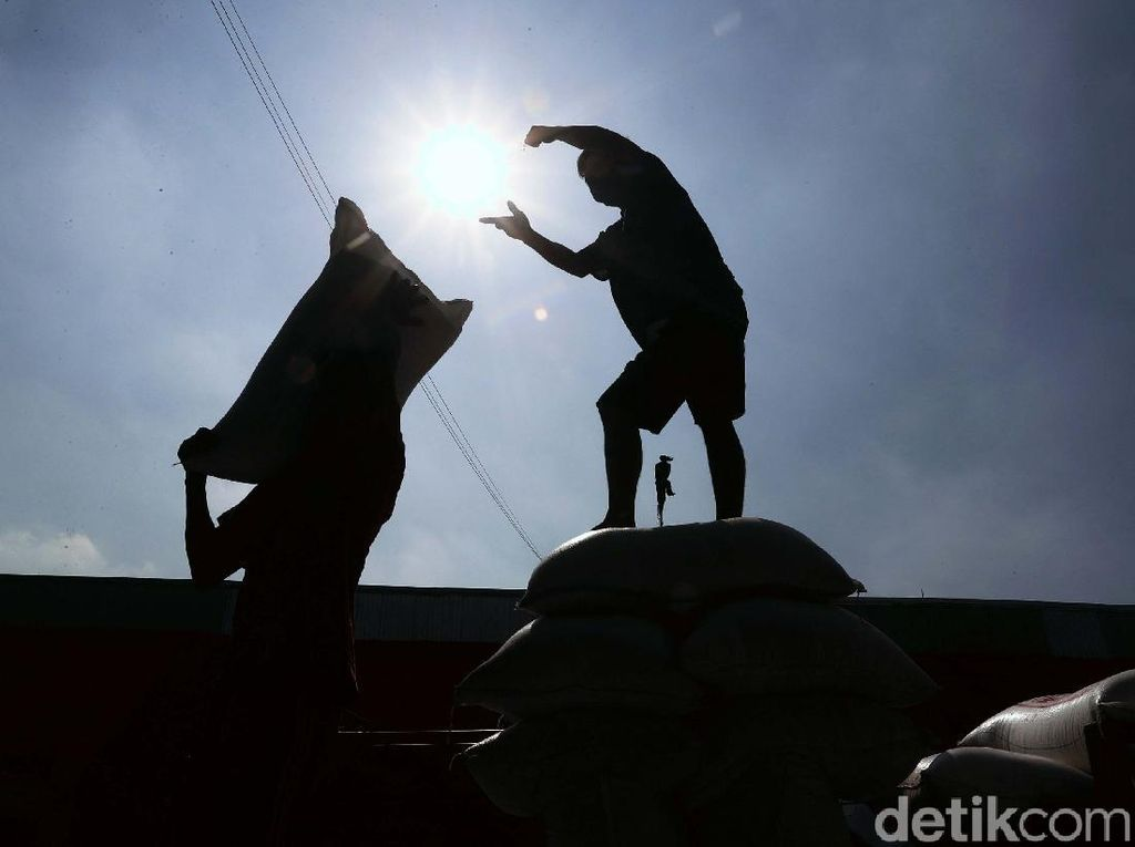 Geliat Pasar Induk Cipinang di Tengah Polemik Impor Beras