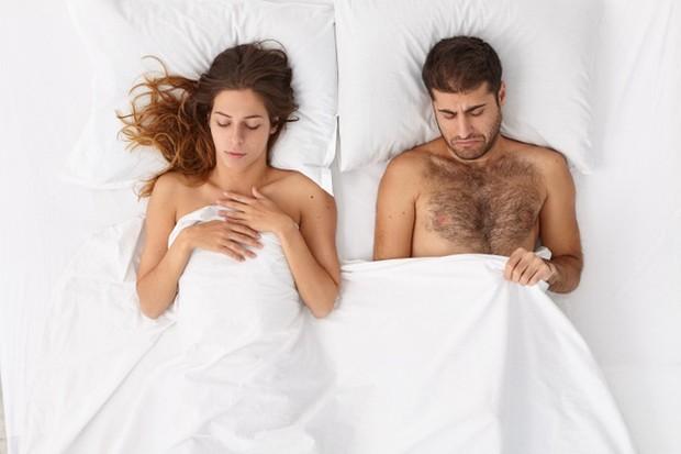 Satu-satunya cara untuk bisa hamil adalah dengan rutin melakukan hubungan intim dengan pasangan.