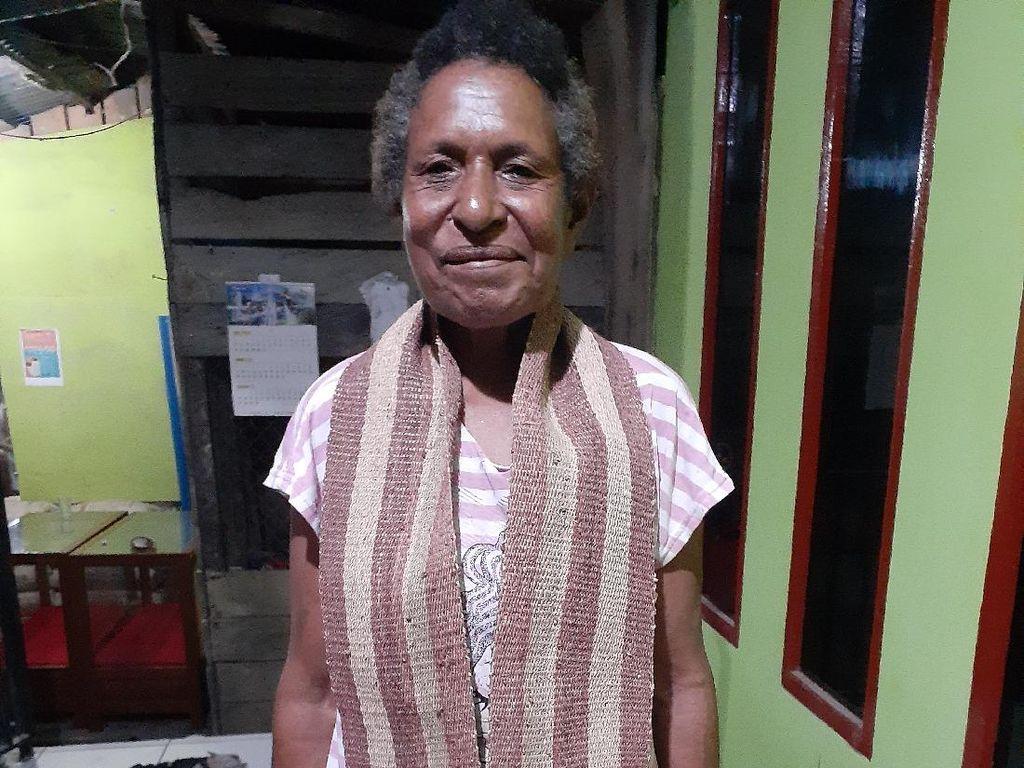 Foto: Siapa Bilang Papua Tak Punya Kain Tenun Asli?
