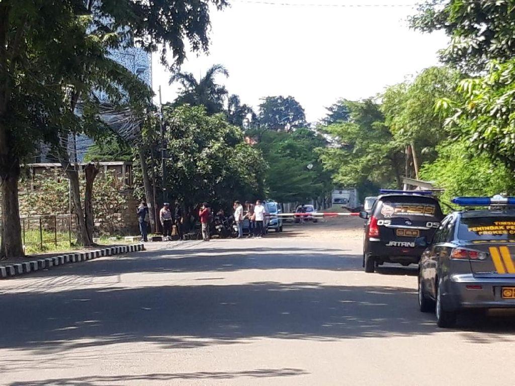 Benda Menyerupai Bom di Depan Rumah Ahmad Yani Dievakuasi Gegana