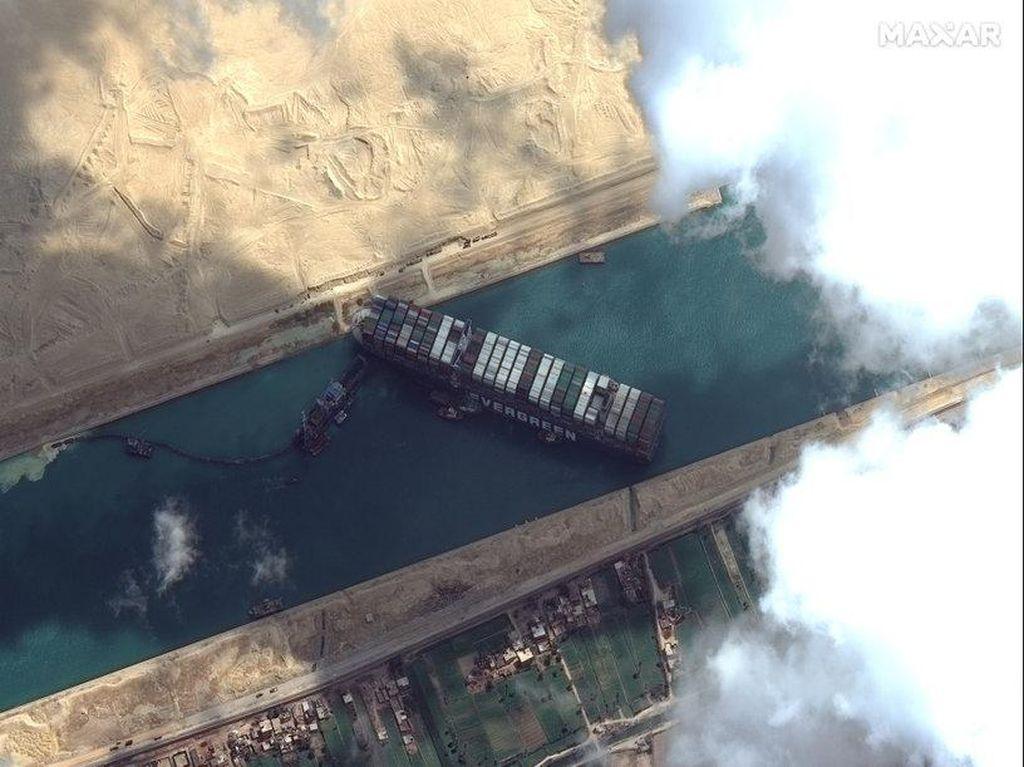 237 Kapal Antre di Terusan Suez, Ruginya Luar Biasa