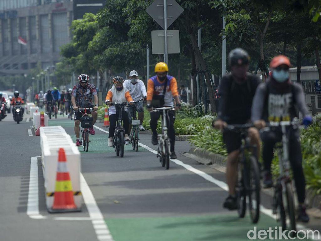 Polisi Kaji Jalur Sepeda Permanen Sudirman Dihapus, Setuju atau Tidak?